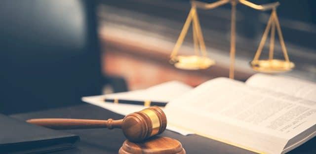 Quelles sont les conséquences du non respect du délai de 15 jours prévu par l'article 83 du CMP pour répondre à une demande de motifs détaillés de rejet de l'offre ?