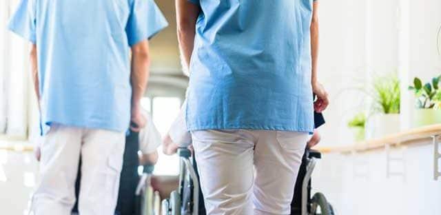 Un décret modifie la rémunération des élèves aides-soignants