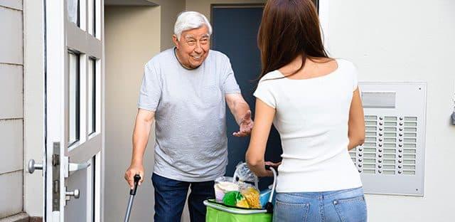 Aide à domicile : un guide sur l'hygiène pour tous les services de livraison de repas