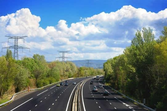 L'État doit mieux veiller à l'état du réseau routier français