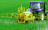 Pesticides illégaux: le gouvernement veut sensibiliser les agriculteurs