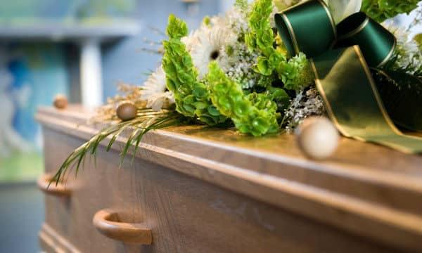 """L'Assemblée donne son feu vert à des """"funérailles républicaines"""""""