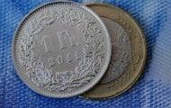 """Les collectivités avec des """"emprunts toxiques"""" s'inquiètent de l'envolée du franc suisse"""