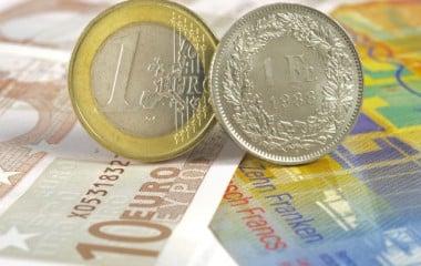 Banques et collectivités françaises peu touchées par l'envolée du franc suisse