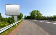 Publicité : les panneaux devront se faire plus rares dans les petites communes