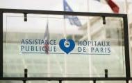 Martin Hirsch signe un accord avec la CFDT sur le temps de travail à l'Assistance publique-Hôpitaux de Paris