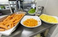 Bordeaux distribue le surplus des cantines scolaires à des associations d'aide alimentaire