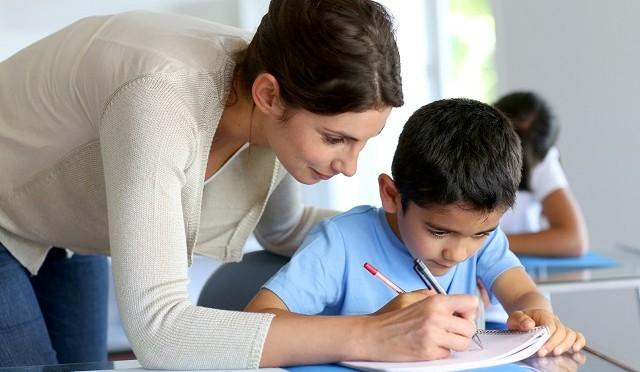 Le gouvernement évalue la formation continue des instituteurs