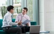 L'expérience et la formation du personnel peuvent-elles être un critère de choix des offres ?