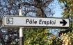 Un fonctionnaire non réintégré en fin de disponibilité faute d'emplois vacants alors qu'il n'en a pas fait la demande dans les délais a-t-il immédiatement droit au chômage ?