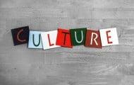 Culture : les budgets moyens des collectivités sont en baisse