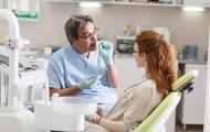 Un examen bucco-dentaire de prévention pour les jeunes adultes