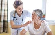 Relayage : vers une nouvelle forme d'aide au répit des aidants à domicile ?