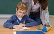 Rentrée : moins d'élèves dans les CP défavorisés, une mesure contestée