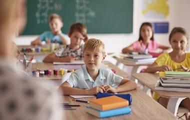 Rythmes scolaires : le retour à la semaine de quatre jours permis dès la rentrée