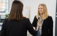 Coup de pouce pour les jeunes diplômés à la recherche d'un premier emploi