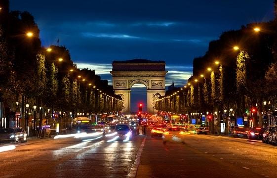 Paris ville bruyante cherche traquer le bruit for Piscine publique paris