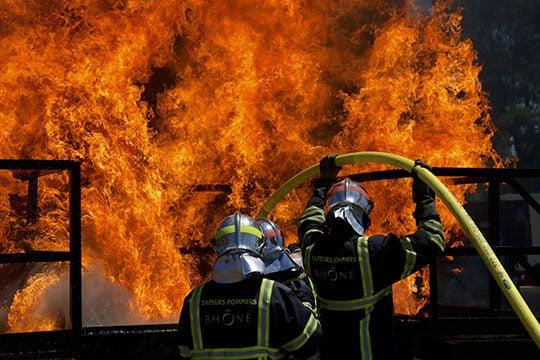 Un rapport pointe la surmortalité par cancer chez les pompiers