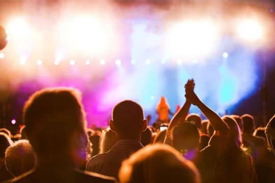 La réglementation des lieux diffusant de la musique amplifiée est renforcée