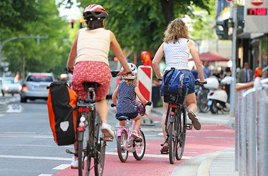 Le Code de la rue évolue : collectivités, faites-le savoir