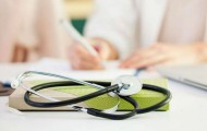 Médecins libéraux et mesures financières coercitive