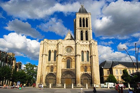 La Seine-Saint-Denis refuse de verser le RSA de décembre et en appelle à l'État