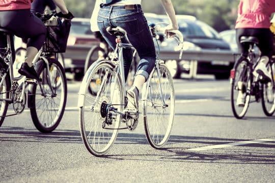 Les déplacements à Paris : plus de transports en commun, de vélos, automobile stable