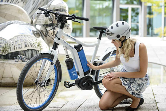 Lancement à Saint-Lô des premiers vélos électriques à hydrogène en France