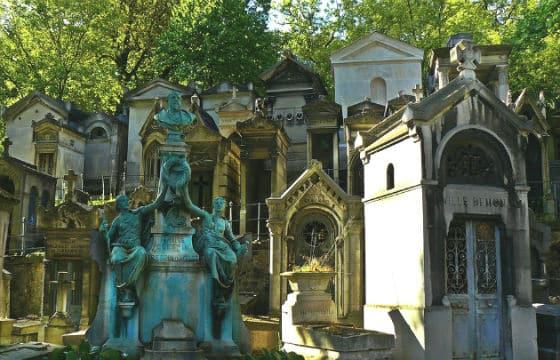 """Paris lance le """"Printemps des cimetières"""""""