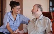 Retraités de l'État : la CNAV va continuer à gérer l'aide au maintien à domicile
