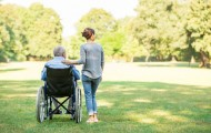 Une proposition de loi pour mieux reconnaître les aidants