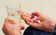 """Alzheimer : le gouvernement financera """"l'accompagnement"""" plutôt que """"des médicaments dangereux"""" selon Agnès Buzyn"""