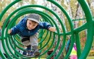 """Bruno Le Maire veut """"externaliser"""" les contrôles de la restauration et des aires de jeu pour enfants"""