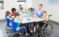 Le recrutement des accompagnants d'élèves en situation de handicap est élargi