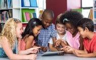 Numérique à l'école : le Gouvernement mise sur l'intelligence artificielle et les objets connectés