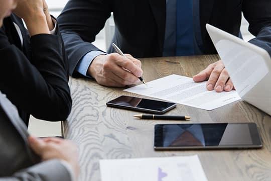 Une réponse variante doit respecter les exigences minimales imposées par l'acheteur