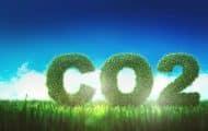 Des maires et des ONG demandent à Total de lutter contre le réchauffement climatique