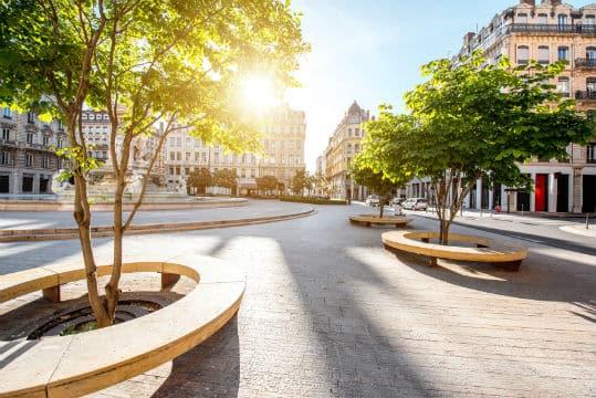 Fin de l'expérimentation à Lyon de la publicité sur les trottoirs