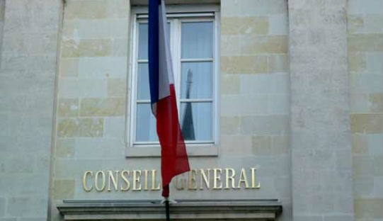 """Aides sociales : les départements appellent à """"un vrai dialogue"""""""