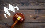 Fessée, écrans, rétention : le Défenseur des droits inquiet pour les enfants de 0 à 6 ans