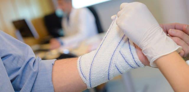 Accidents du travail : « alerte rouge » pour le secteur de l'aide et des soins aux personnes