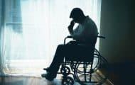 """La solitude, une """"double peine"""" pour les personnes handicapées ou malades"""