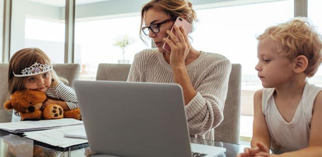 La parentalité dans la vie au travail… toujours une affaire de femmes