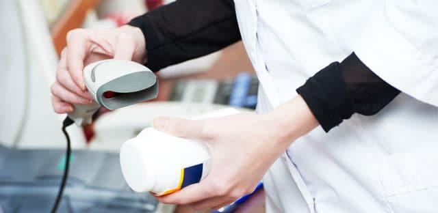 Scanner les médicaments pour lutter contre la contrefaçon, un casse-tête logistique