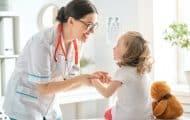 Le calendrier des examens médicaux obligatoires des enfants de moins de 18 ans