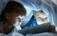 """Enfants et écrans : des scientifiques appellent à une """"vigilance raisonnée"""""""