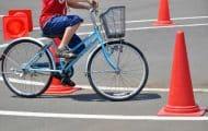 """Le gouvernement veut apprendre à tous les enfants à """"rouler à vélo"""""""