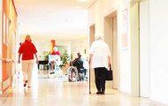 Légère augmentation du nombre de professionnels du soin en Ehpad
