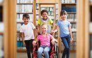"""Handicap : l'inclusion scolaire des élèves """"avance à pas lents"""", souligne un rapport"""