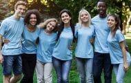 Le service civique a attiré 140 000 volontaires l'an dernier
